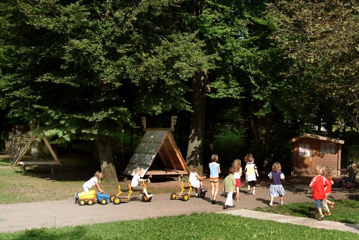 Kletterbogen Garten Kinder : Homepage der pfarreiengemeinschaft geltendorf kindertagesstätte